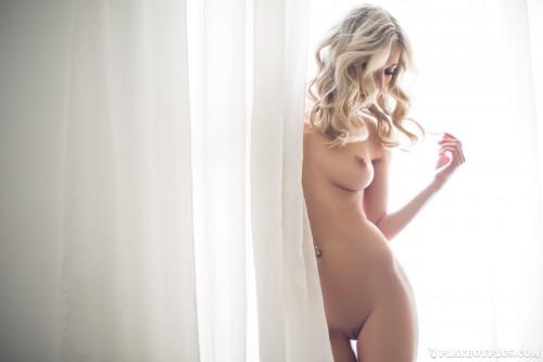 alice-wonderlust-nude34051bd.jpg