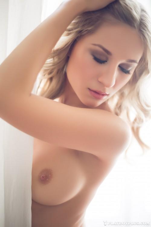 alice-wonderlust-nude3608de9.jpg